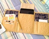 Quilted Tri Fold Mini iPad & Tablet Tote - pattern no. 523