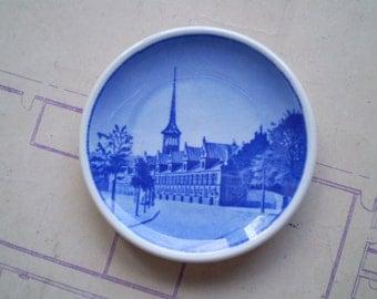 Borsen - Vintage Royal Copenhagen Denmark Miniature Plate - 14-2010 - Circa 1960s 1970s - Blue & White Fajance