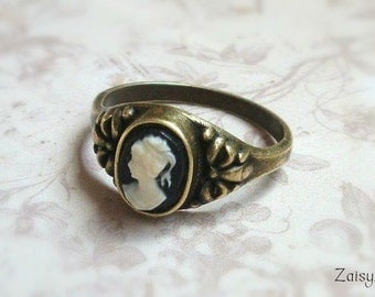 Dainty Vintage Cameo Ring, Size 8 Brass Ring
