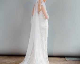 Long Bridal Veil with Lace Cap, Bohemian Art Deco Inspired