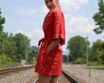 Vintage 70s Red FLORAL Dots Stripes Poly Cotton Spring Summer Short Mini Kimono ROBE / Cover up - M / L