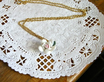 SALE Vintage Spring Flower Pendant Gold Tone Chain Necklace / Resin, Botanical Floral Bud Jewelry