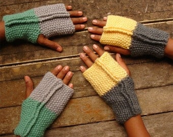 Fingerless Pattern Gloves Dore Mittens Knit two colors - PDF knit beginners easy ebook - woman warm accessory wristers - Instant download