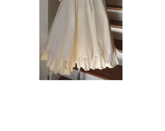Beautiful Vintage Cream Embroidered Square Dance Style Dress Size 10