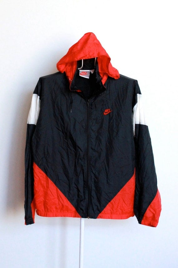 SALE / / / Vintage Nike Windbreaker Jacket by beachwolfvintage