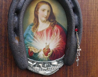 Horseshoe Art Lucky Sacred Heart of Jesus Wall Decor