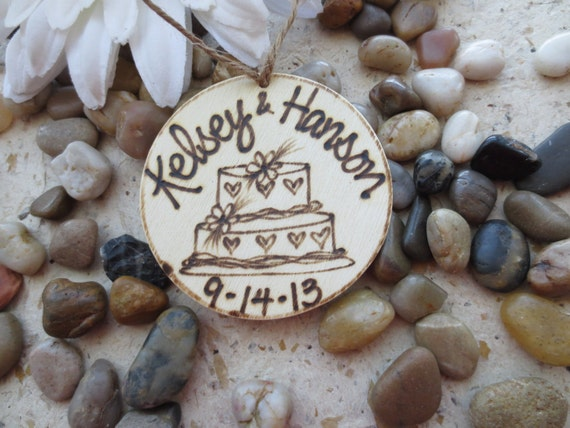 Rustic Chic Wedding Decor Personalized Christmas Ornament Tag with Couple's Names and Wedding Date