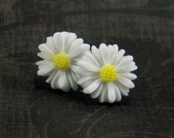 White Daisy Earrings  13mm Flower  Titanium Post Earring Pair  Hypoallergenic Minimalist Jewelry Country Kitsch