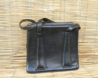 Vintage Lady's 1980's Black Faux Leather Hand Bag