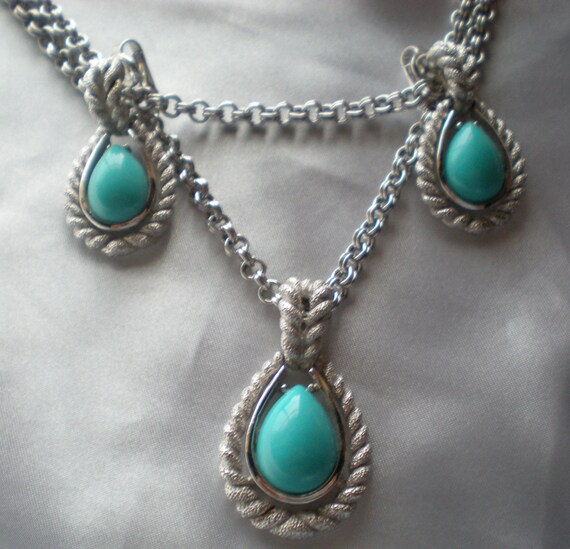 Avon 1972 Blue Teardrops set, necklace and clip earrings sale price