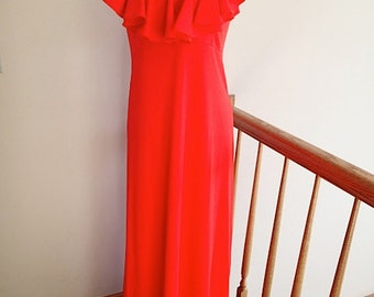 Vintage A- Line Maxi Dress With Ruffled Neckline 1970s