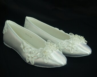 Ready to Ship Size 7 Brides Wedding Flats Battenburg lace White, Ballet Style Slipper, Romantic, Satin Flats, Lace Wedding, Country Chic
