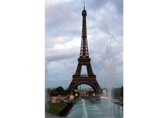 Eiffel tower decor Paris photography Paris print France wall art Paris decor spring decoration travel poster 4x6 5x7 6x8 8x10 8x11 10x15