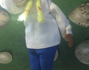 Vintage Handmade Sabra Doll carrying basket