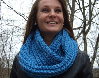 Infinity Scarf, Chunky, Crochet, Turquoise, women's circle scarf