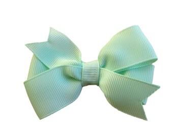 Pastel green hair bow - 3 inch hair bows, hair bows, girls bows, baby bows, girls hair bows, green hair bow, pinwheel bows, toddler hair bow
