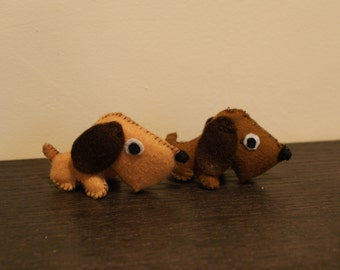 Little felt doggies