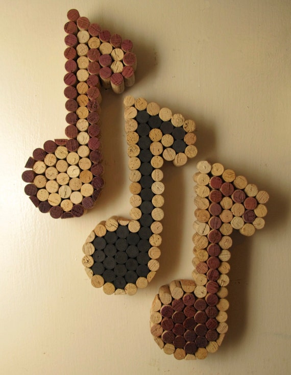 Wine cork music note only natural and wine colors available - Manualidades con corchos ...
