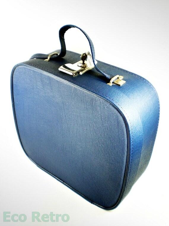 Nice Vintage 1960's Royal Blue Vanity Case Travel Bag with Key