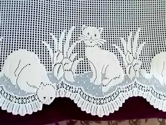 Vintage Ivory Heritage Lace Cat Curtains by CapeCodLaurieDesigns