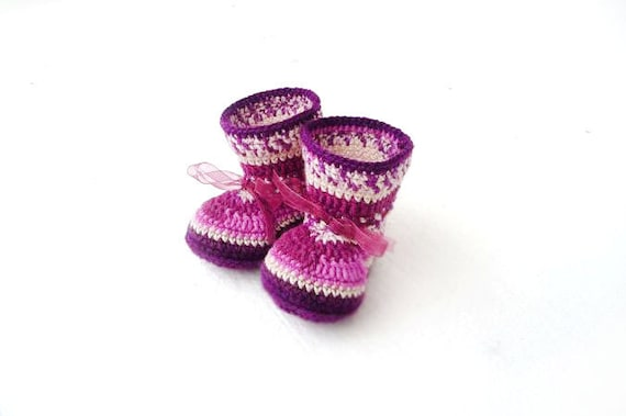 Items similar to Radiant orchid Baby Girl crochet shoes ...