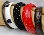Lot of five Vintage Bangle Bracelets