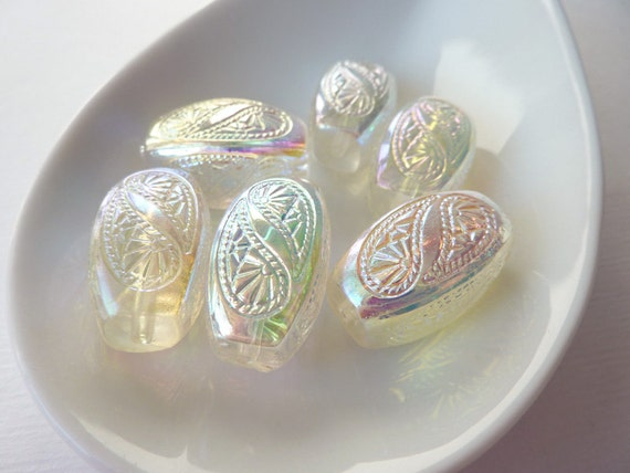 Vintage Lucite Beads, Etched Oval Beads, AB Finish, 25mm