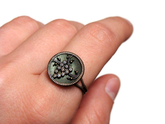 "Green Antique Cocktail Ring ""Harriet"" from ChatterBlossom on Etsy"