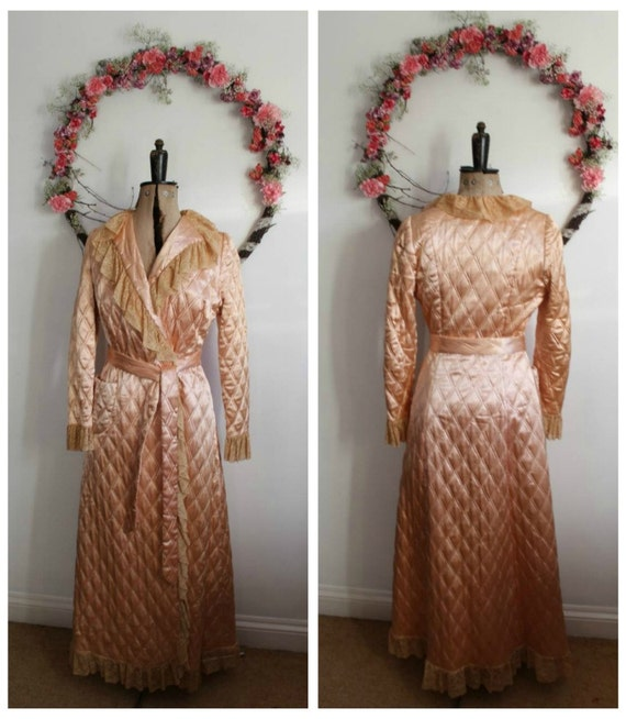 Old Fashioned Dressing Gown - Best Seller Dress and Gown Review