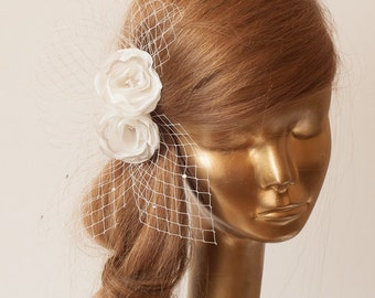 IVORY BIRDCAGE VEIL  .Romantic wedding Headpiece with beautifull delicate Flowers.Bridal Fascinator