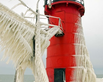 """Photograph of frozen South Haven, MI lighthouse in January (5"""" x 7"""")"""