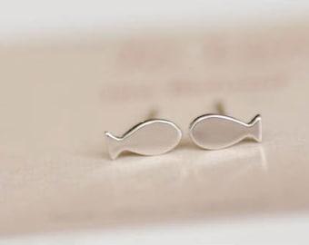 925 Sterling Silver fish Silver Stud Earrings 044