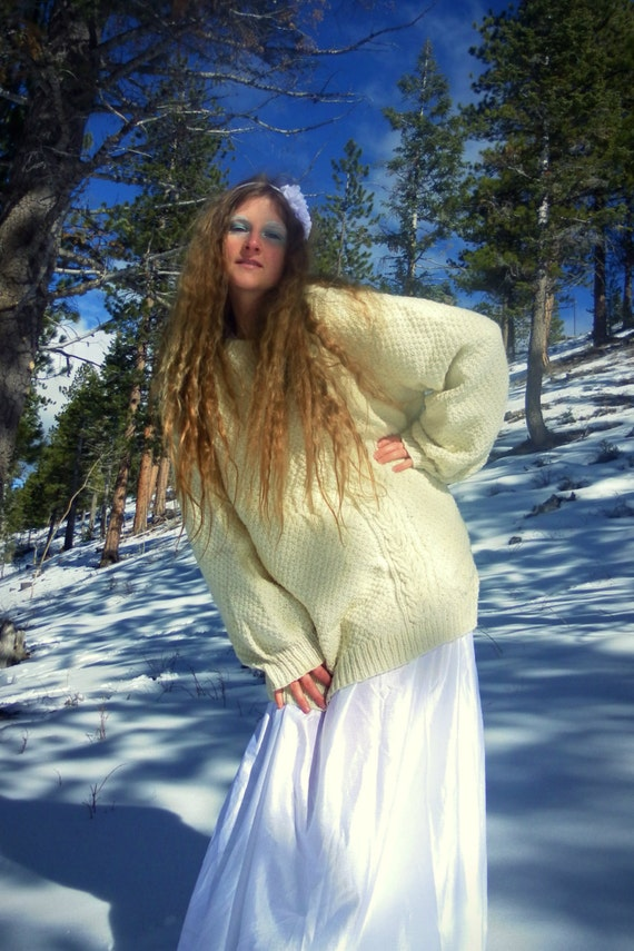 Oversize Wool Sweater - White Vintage Pullover, unisex - size M, L, XL