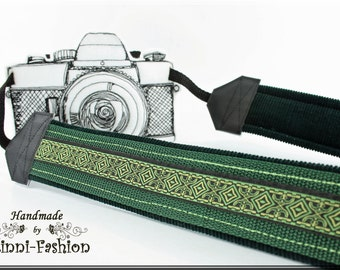 Camera strap, green, camerastrap, medival