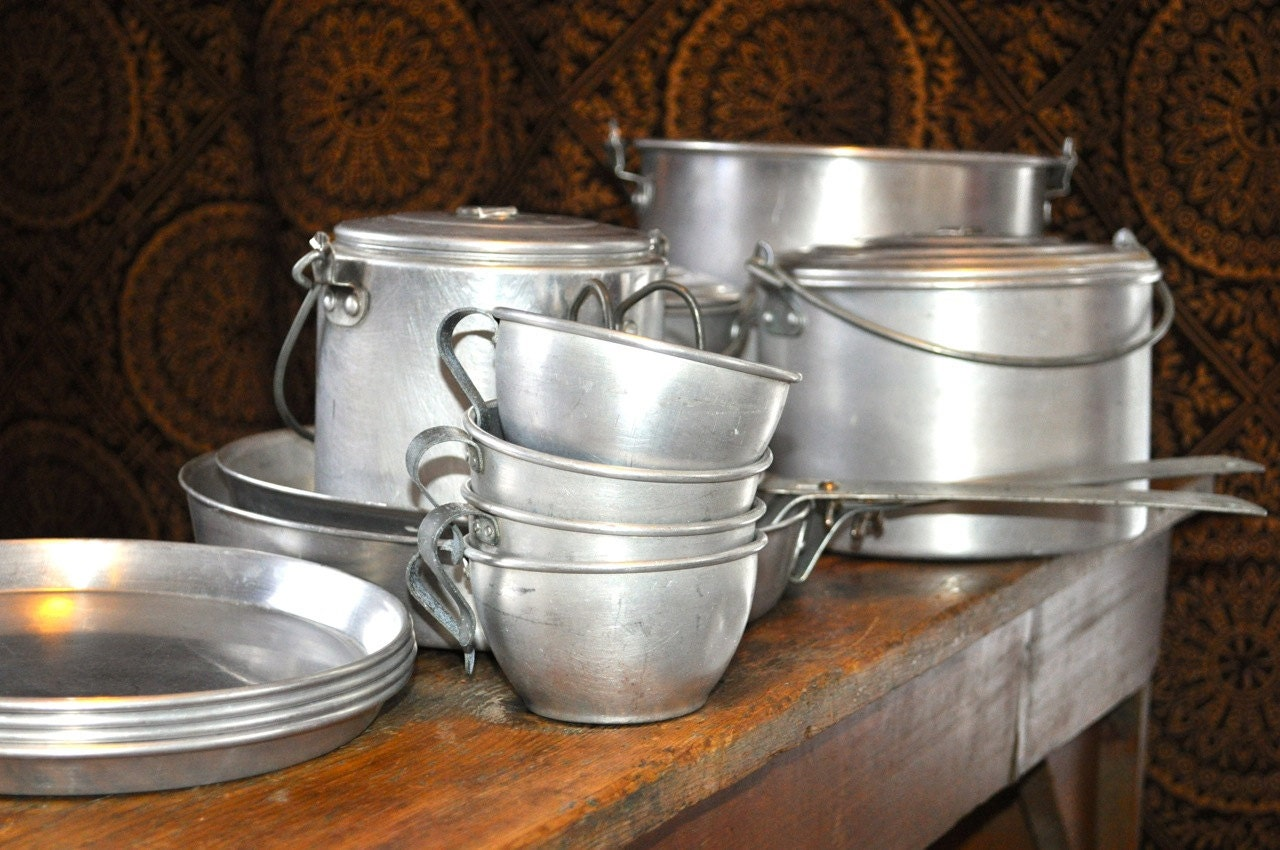 Vintage Mirro Aluminum Nesting Camping 19 Piece Cookware Set