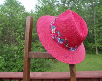 """Delightful Straw women summer hat , red with  floral strip.Biltmore, made in Canada.New old stock.SMALL/ PETIT  22.5"""" around Gift for her"""