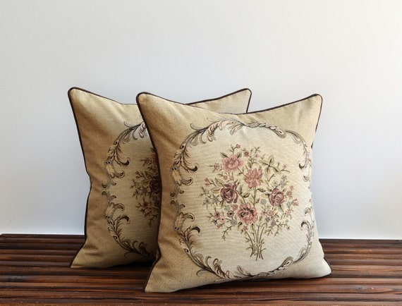 SET OF 2 Modern Decorative Pillow With Piping Bright Home