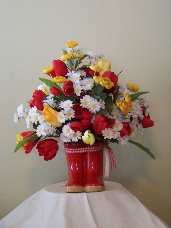Items similar to cheerful country floral arrangement in