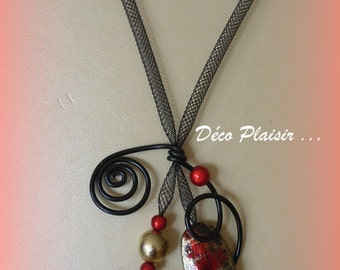 Red and black tubular fabric necklace