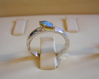Opal ring. Sterling Silver ring combined with 22k gold set with Opal gemstone. Handmade. Solitaire ring. Unique shape gemstone. Cabochon.
