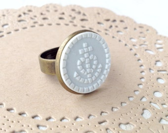 White Anchor - Maritime Vintage Button - Ring