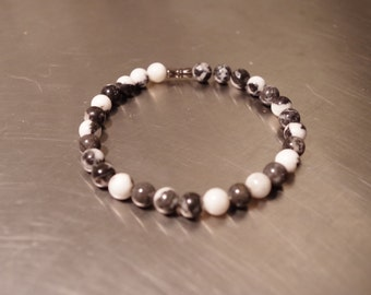 Black and White Mother of Pearl Beaded Bracelet
