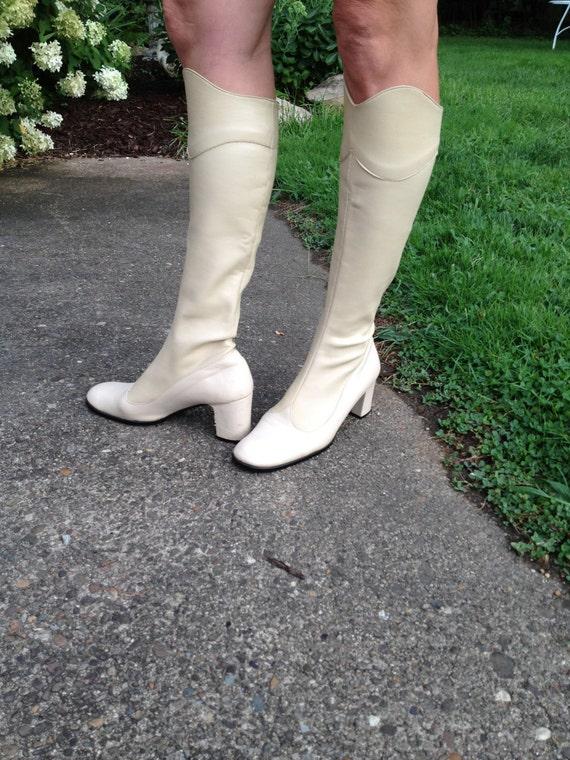mod 1960s  Italian leather fashion boots size 8
