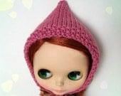 buttony pink bonnet for blythe doll