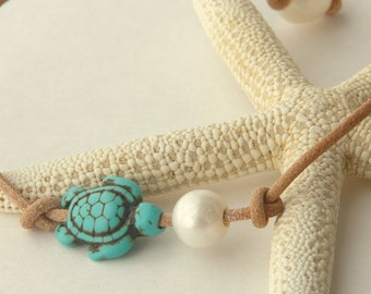 Surfer Jewelry. Sea Turtle Freshwater Pearl Leather Anklet. Natural Leather Bracelet.