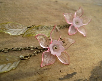 Pink Daffodil Flower Earrings, long dangle statement earrings in pink and green, lightweight jewelry for spring, Easter