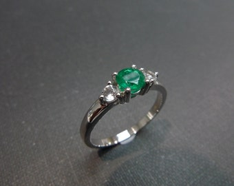 Emerald Wedding Ring, Emerald Ring, Emerald Engagement Ring, Emerald Jewelry, White Sapphire Ring, Emerald Gold Ring, Ring in 14K White Gold