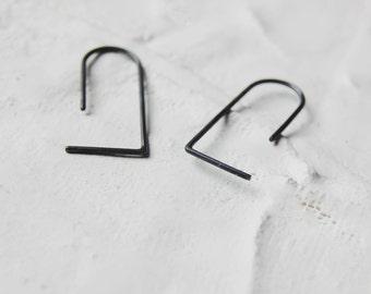 Edgy silver earrings / Staple earrings / Minimalist earrings / Simple earrings / Line earrings / everyday earrings / Versatile / SM005