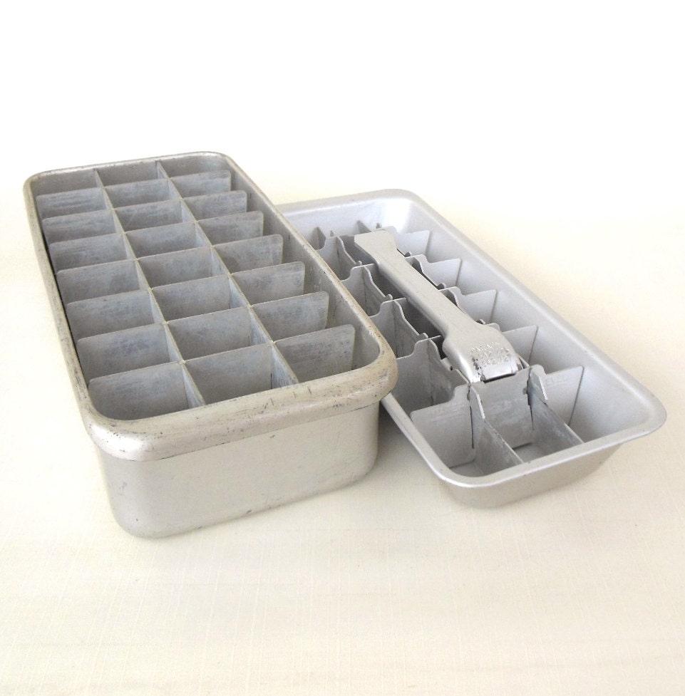 aluminum ice cube trays vintage metal by lauraslastditch on etsy. Black Bedroom Furniture Sets. Home Design Ideas
