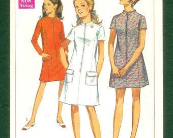 """Vintage 1967 Simplicity 7451 Shift Dress With Zippered Front, Size Junior Petite 5 Bust 31"""""""